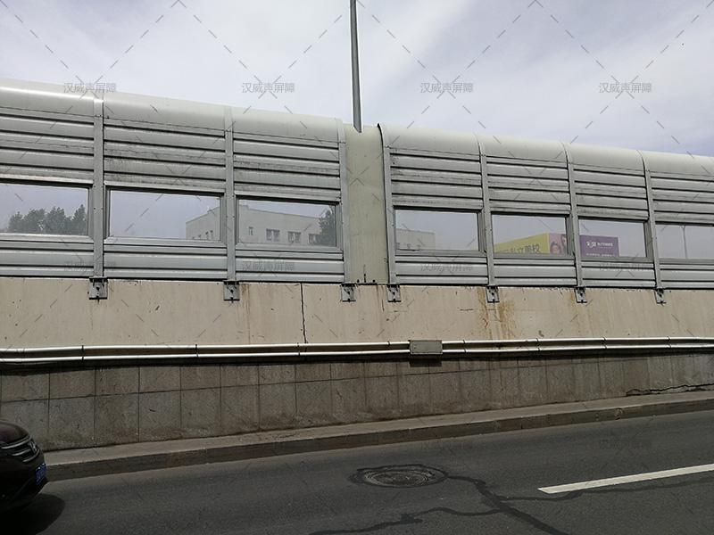 长春亚泰大街道路声屏障案例
